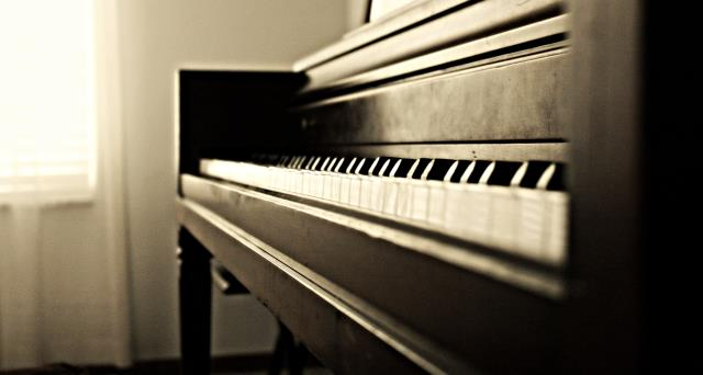 Raleigh, NC - Truckin' Movers offers piano and grand piano moving services to anywhere in the world!