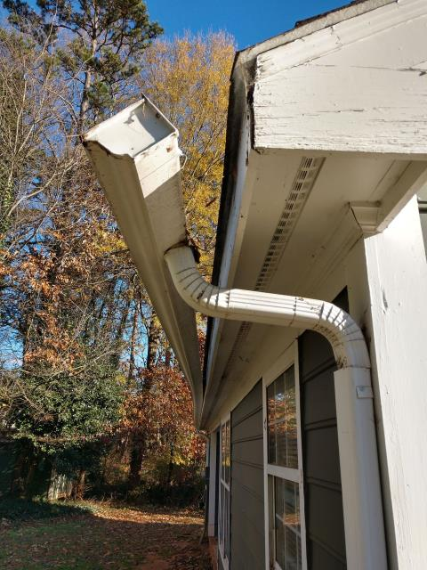 Mooresville, NC - Uh oh! Looks like someone needs new gutters!