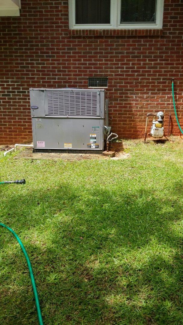 Winnsboro, SC - Maintenance on package unit