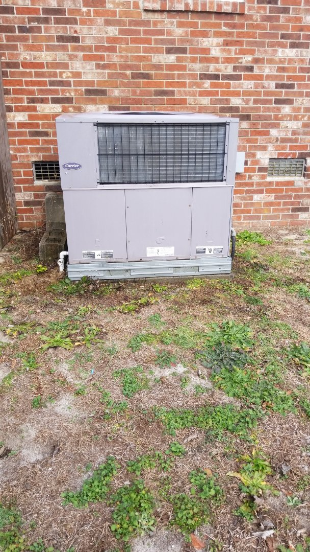 Lexington, SC - Maintenance on package unit
