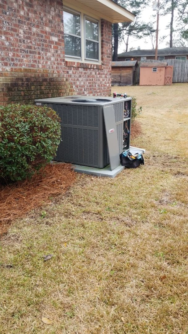 Columbia, SC - Maintenance on package unit