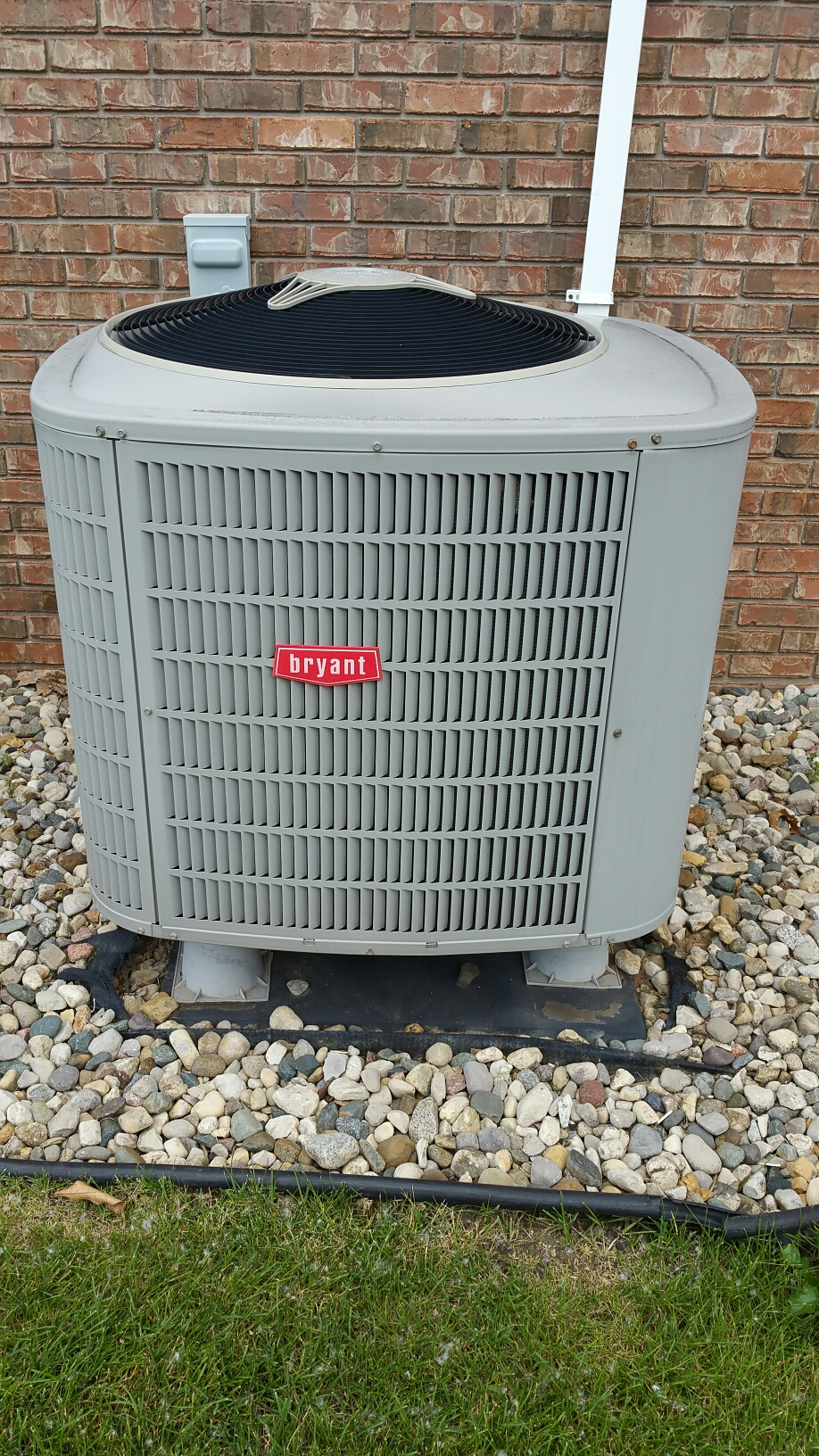 North Manchester, IN -  Spring tune up on Bryant heat pump