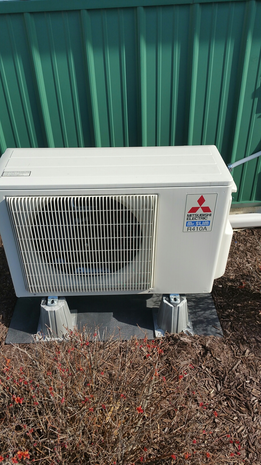 Columbia City, IN - Maintenance on Mitsubishi mini split heat pump system.