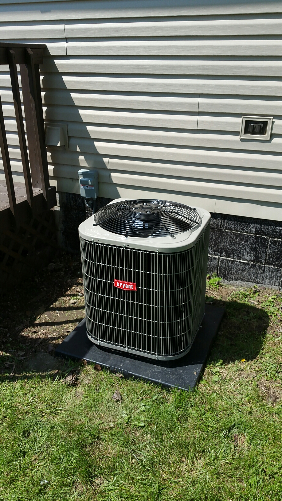 Columbia City, IN - Install Bryant single stage air conditioner on Coleman mobile home furnace