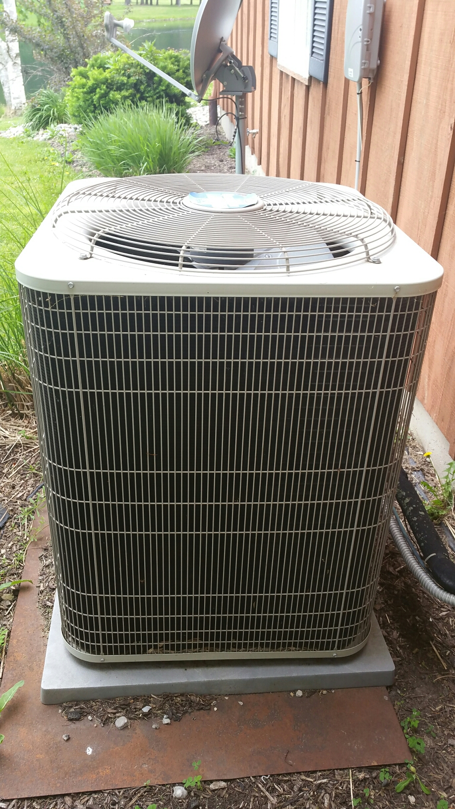 Bluffton, IN - Air conditioner tune up on Bryant system.