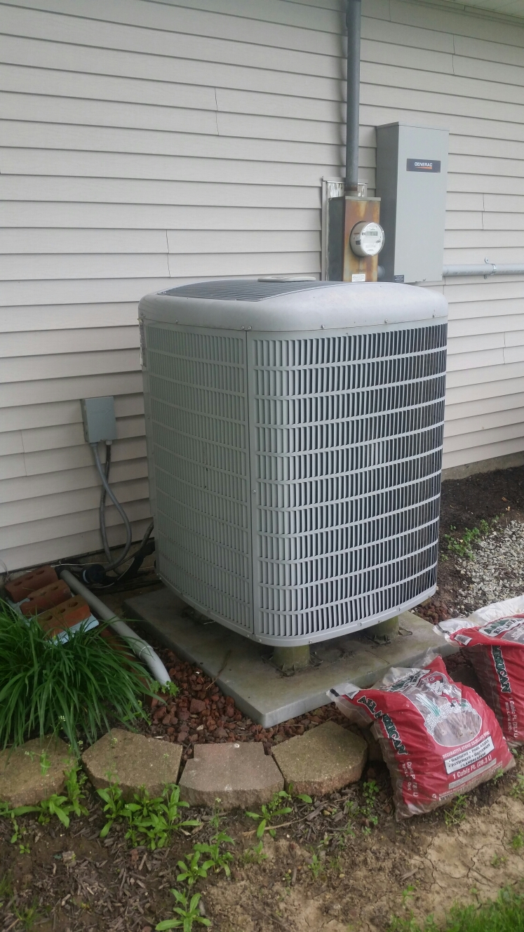 North Manchester, IN - Perform tune up on Carrier heatpump.