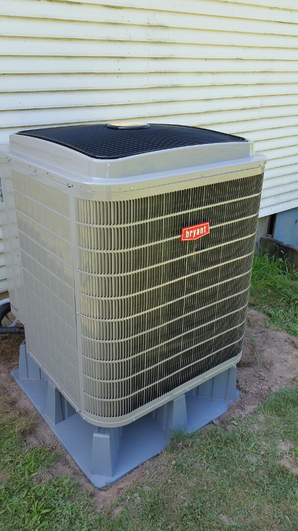 Warren, IN - Install bryant evolution extreme heat pump with surge protectors and air scrubber