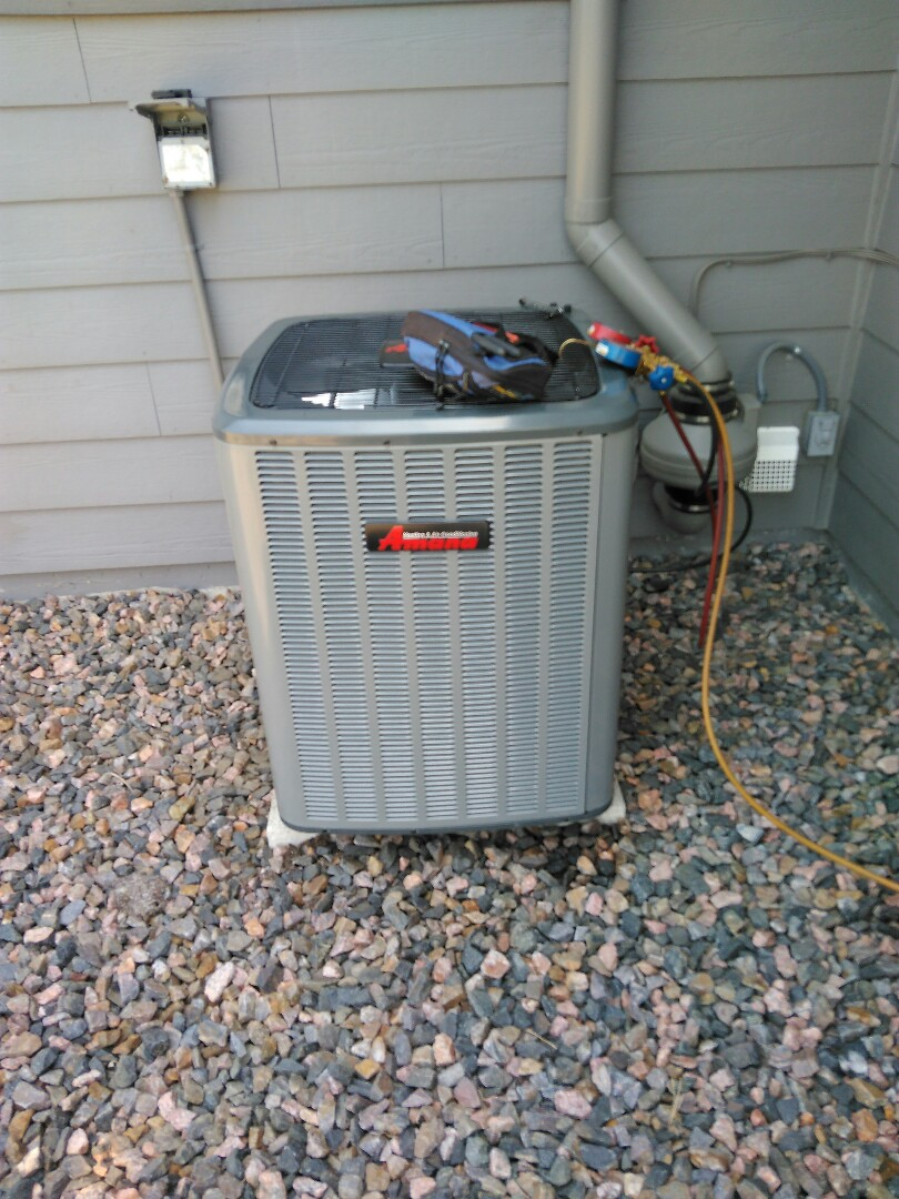 Castle Rock, CO - Installing a new amanna air conditioner in castle rock