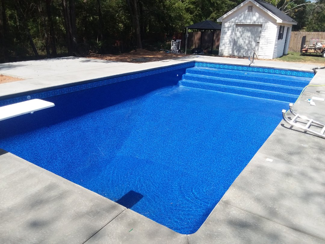 New swimming pool construction, installation.