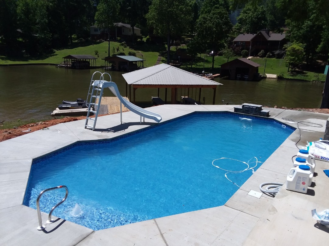 Prattville, AL - Swimming pool dealer and new swimming pool construction.