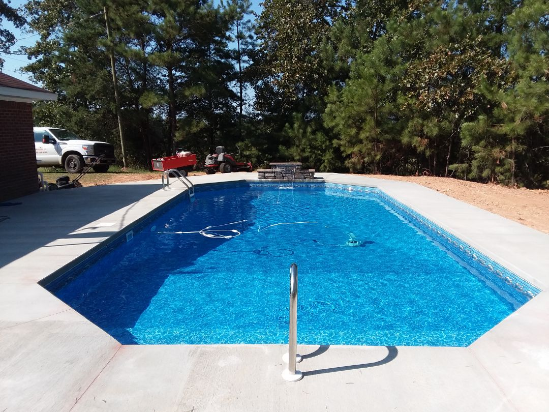 Calera, AL - New swimming pool dealer and new swimming pool construction.