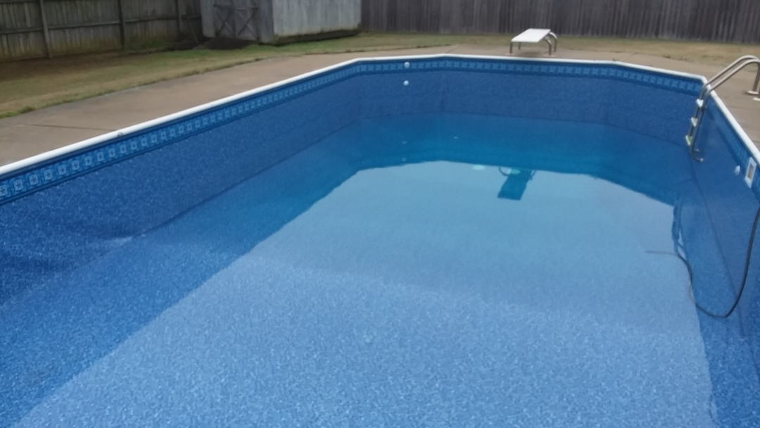 Prattville, AL - New swimming pool dealer and new swimming pool construction and liner replacements.