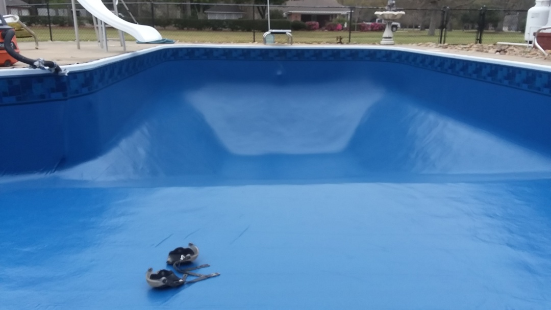 Wetumpka, AL - New swimming pool dealer and new swimming pool construction and liner replacements.