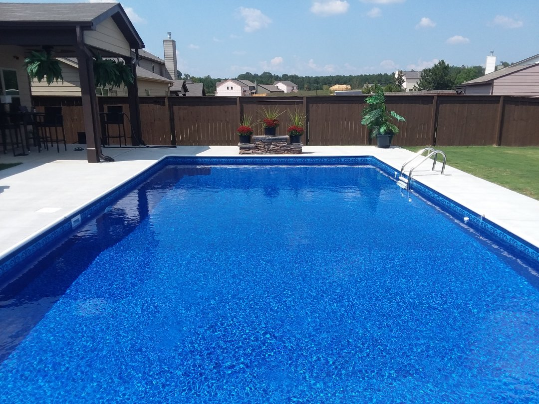 Opelika, AL - New swimming pool dealer and new swimming pool construction.