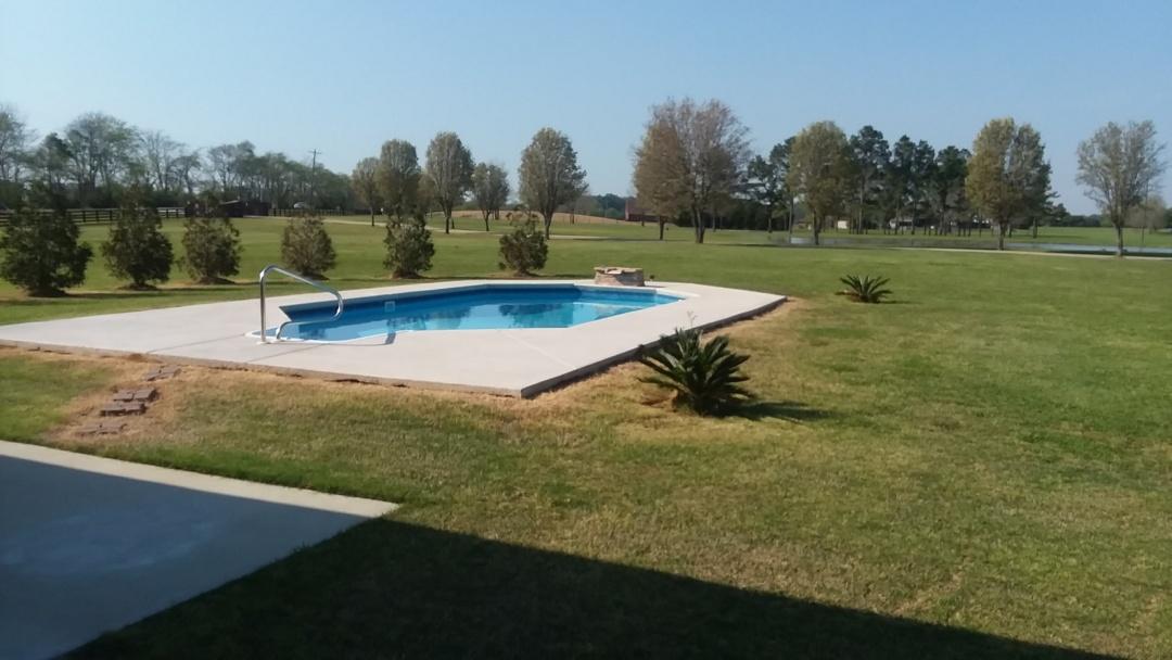 Pike Road, AL - New swimming pool dealer and new swimming pool construction. Pool pump and filter repair.