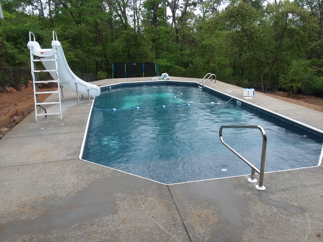 Hoover, AL - New swimming pool dealer and new swimming pool construction.