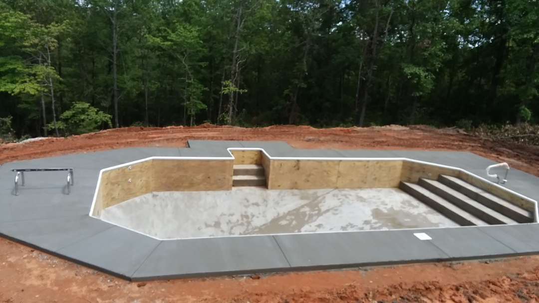 Prattville, AL - New swimming pool dealer.