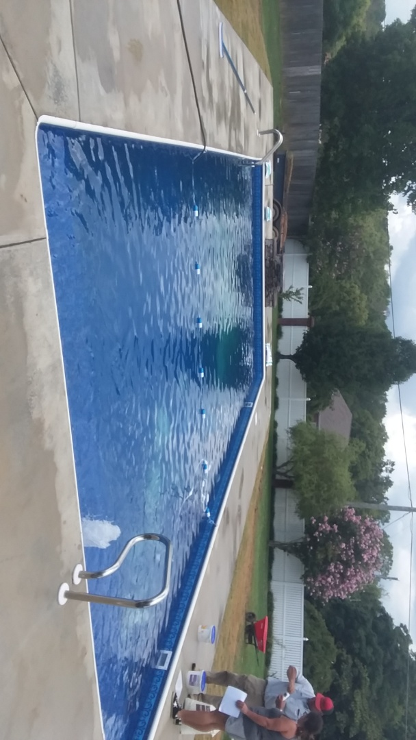 Tuscaloosa, AL - New swimming pool dealer and new swimming pool construction.