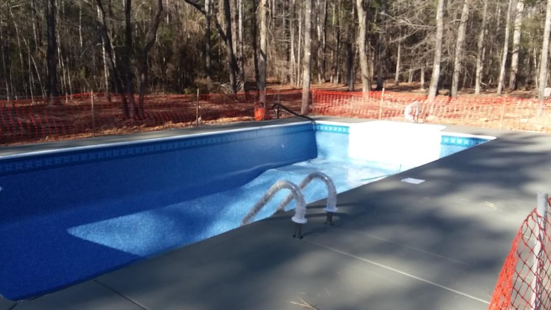 Auburn, AL - New swimming pool dealer and new swimming pool construction.