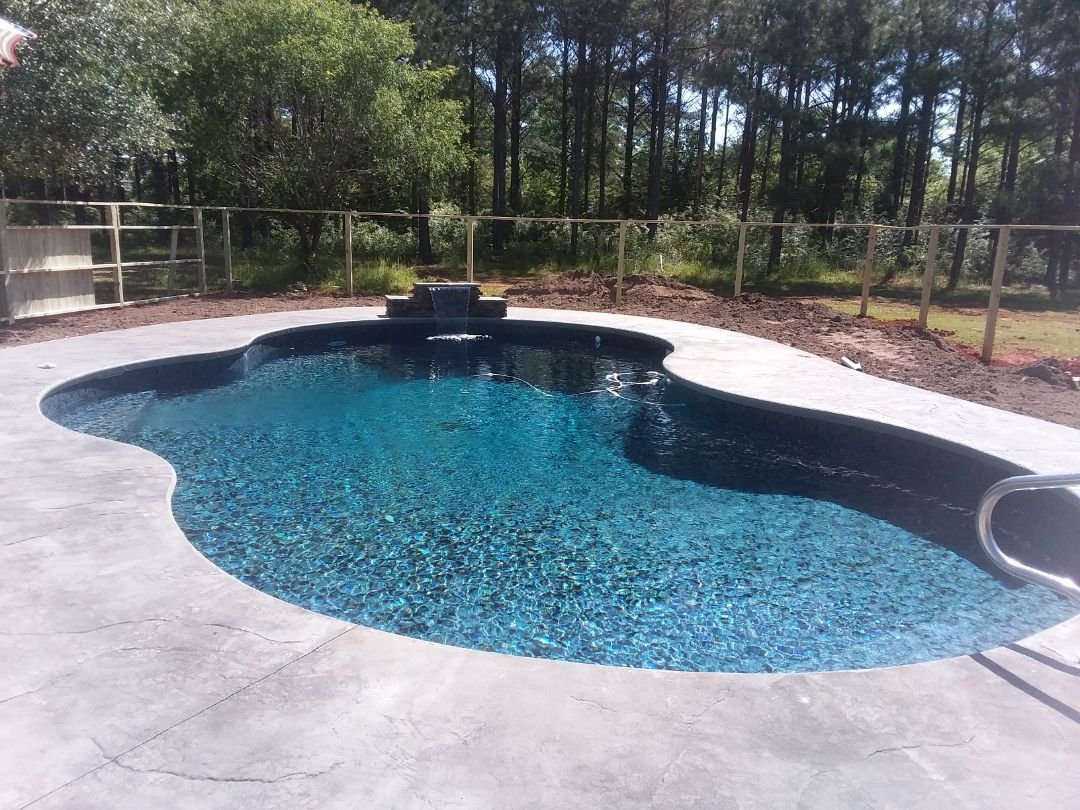 Montgomery, AL - New swimming pool dealer and new swimming pool construction.