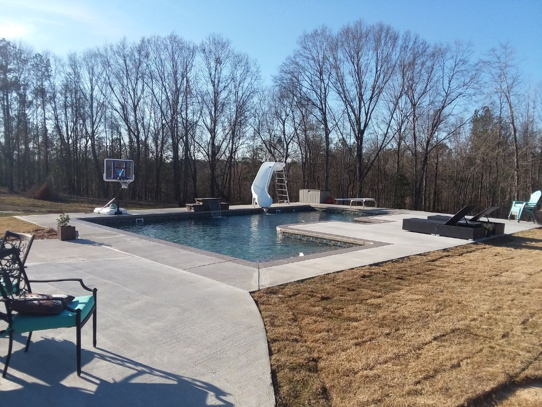 Pelham, AL - New swimming pool dealer and new swimming pool construction.