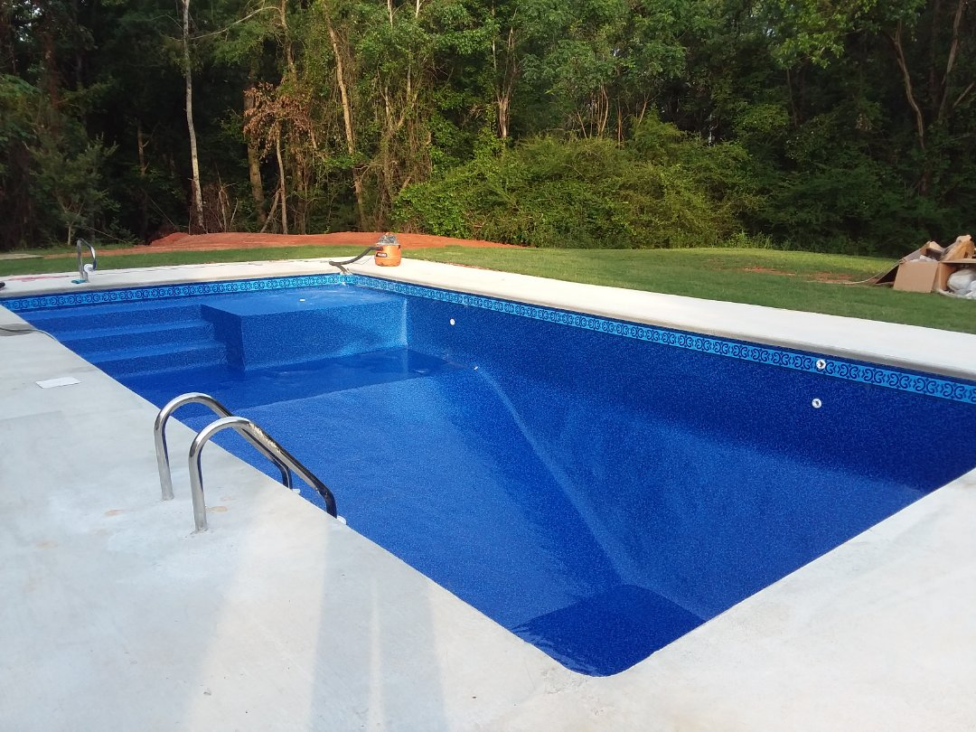 Prattville, AL - New swimming pool dealer and new swimming pool construction.