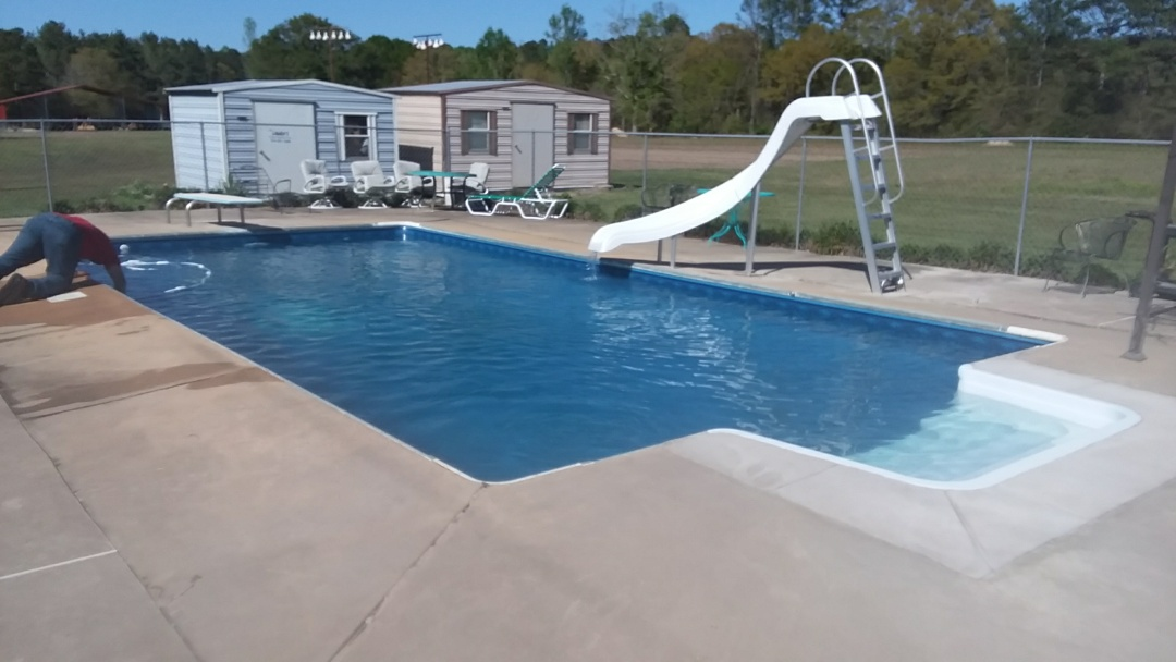 Wetumpka, AL - 16x32 swimming pool liner replacement, new slide, step and light.