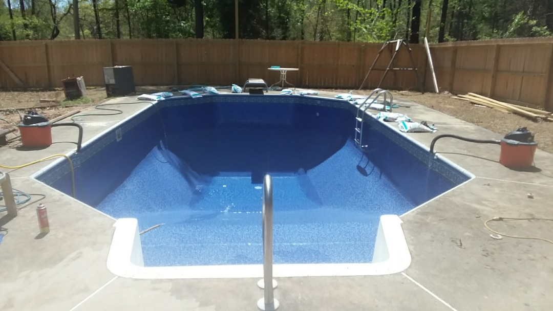 Wetumpka, AL - 16x32 swimming pool liner replacement.