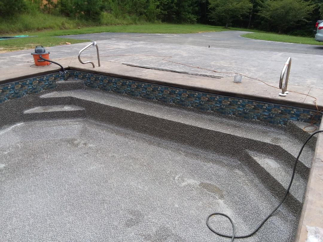 New swimming pool constructio , installation.