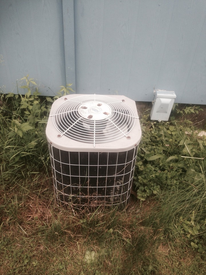 Syracuse, IN - Service call on a Carrier unit that was not cooling.