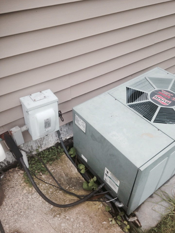 Sturgis, MI - Estimate to replace the heating and cooling system. Sold job. Efficient reliable equipment