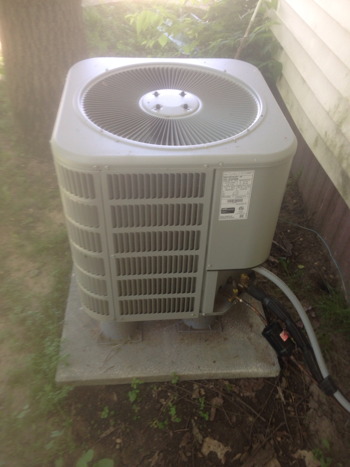 Millersburg, IN - Air conditioner start up
