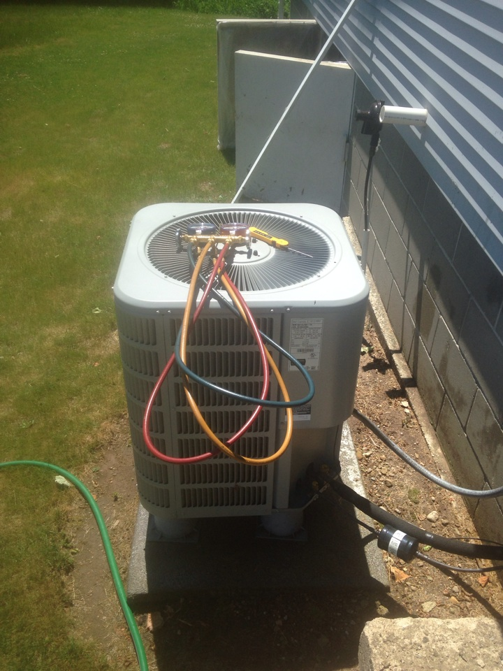 Howe, IN - Air conditioner check