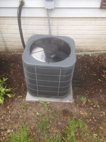 Wakarusa, IN - Performed an air conditioner tuneup on an Amana unit