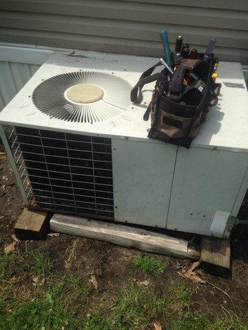 Mishawaka, IN - Service call for an air conditioner that isn't cooling.