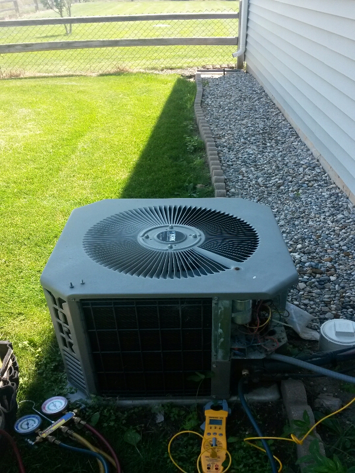 Granger, IN - club member tune up on a york ac system