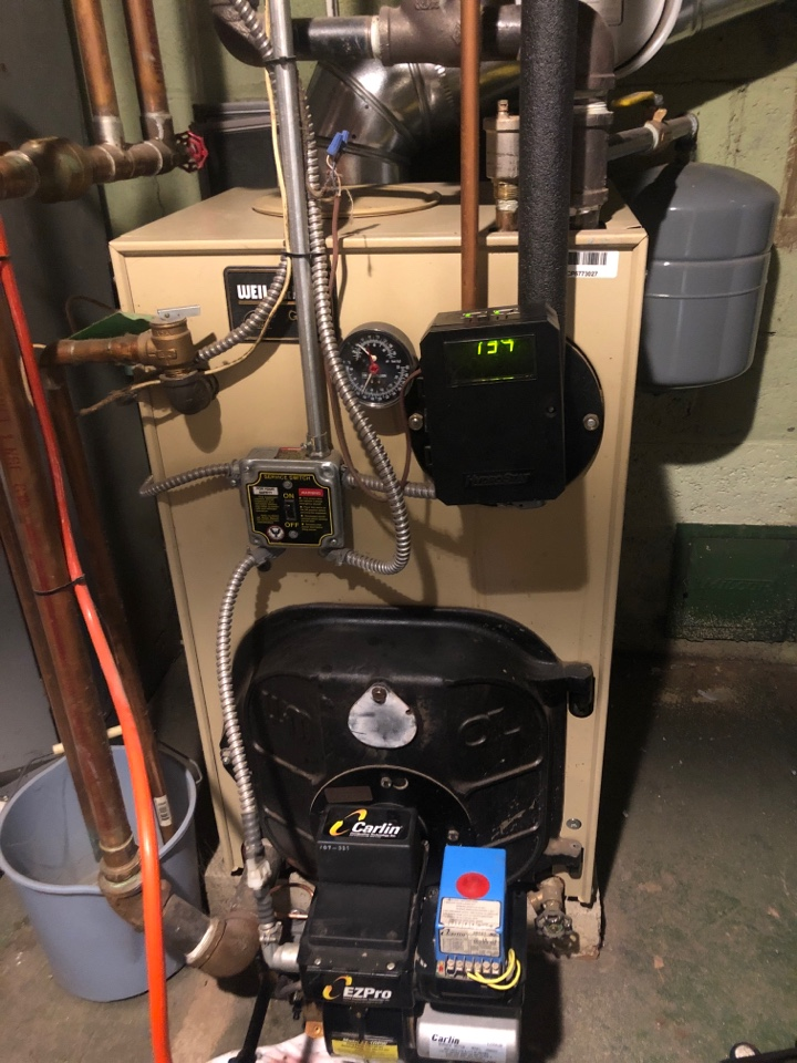 New Britain, CT - Performing annual maintenance on Weil  McLain Oil boiler.
