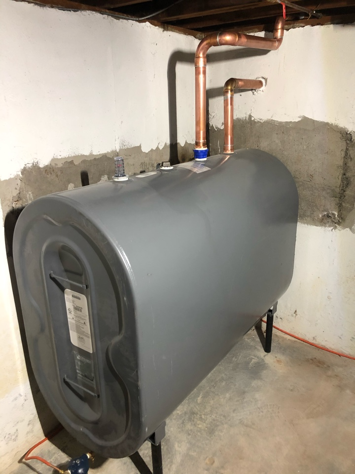 Installing a new granby 275 gallon oil tank.