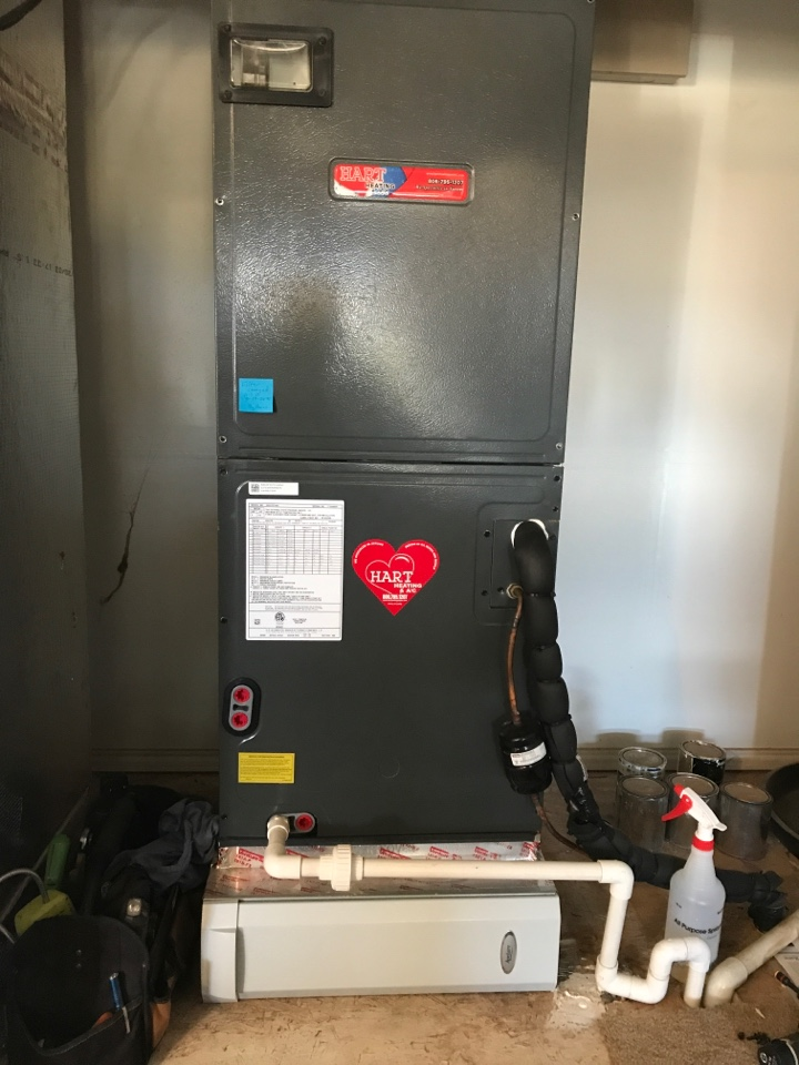 Lubbock, TX - Fall maintenance on a Goodman heat pump with electric back up heat. System has Aprilaire filter media. Very clean still and heating great