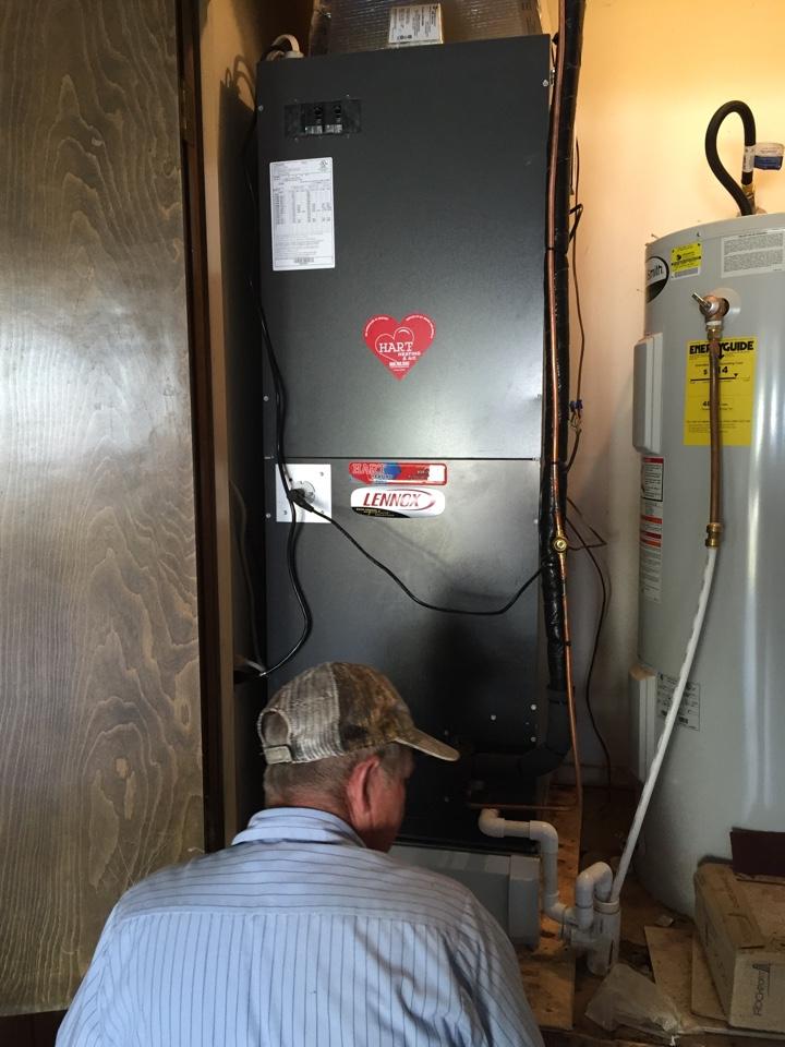 Slaton, TX - Install Lennox heat pump