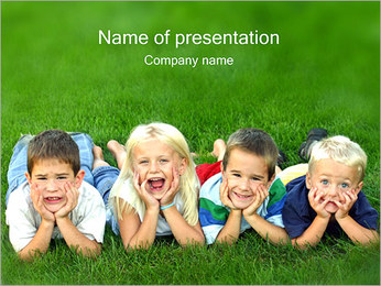 Kids on Grass I pattern delle presentazioni del PowerPoint