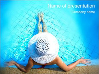 Donna in piscina I pattern delle presentazioni del PowerPoint