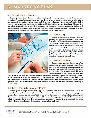 As pessoas modernas que fazem negócios, gráficos e tabelas que estão sendo demonstradas na tela de um touch-pad  Modelos lexicai - Página 8