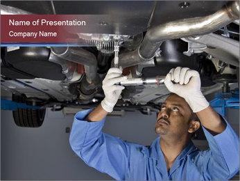 Automechanic Fixing Broken Car Modelos de apresentações PowerPoint