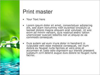 Gouttes d'eau sur l'herbe Modèles des présentations  PowerPoint - Diapositives 24