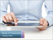 Manager Using Digital Tablet Шаблоны презентаций PowerPoint