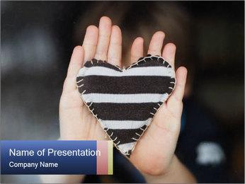 0000074589 PowerPoint Template - Slide 1