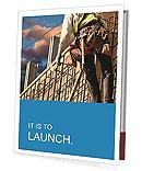Construction worker at a height Folhetos de apresentação