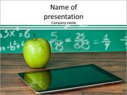 Цифровой планшет и яблоко на столе Шаблоны презентаций PowerPoint