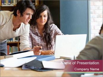Smiling students Modèles des présentations  PowerPoint